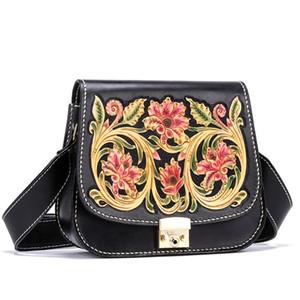 Style chinois authentique en cuir de vache à la main Gravée femmes Mini fleur Saddle Long porte-monnaie large ceinture Lady transversale unique sac à bandoulière