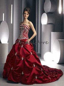 Elegant Red Embroidery Wedding Dresses 2021 Sexy Sleeveless Satin Ruched Country Wedding Gowns Lace Up Corset Gothic Bridal Dress Cheap