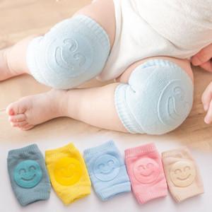 La rodilla del bebé de ratón arrastre del cojín del bebé niño infantil Anti Slip Pad rodilla calcetines Protector de Pierna calcetín KKA8006