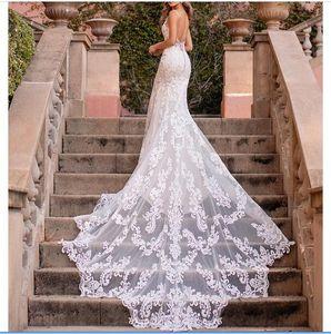 2020 Mermaid Wedding Dresses Spaghetti Straps Lace Appliques Beach Bridal Gowns Custom Made Open Back Sweep Train Robe De Mariee