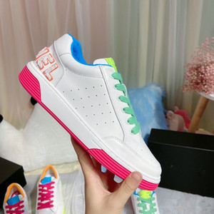 Luxurious de Brand Mulheres Sneakers Loafers Moda em Couro Casual Shoes Designer doce cor de Lady sapatos casuais quentes Walking Shoes