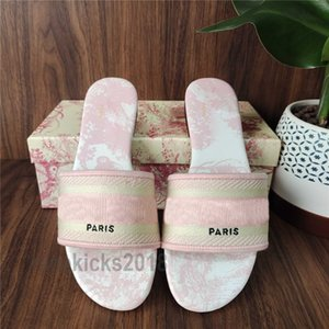 Parigi Donne diapositive Scuffs Womens Slipper estate sandali da spiaggia Pantofole Ragazze Infradito Comfort Pantoufle sexy vintage ricamato floreale