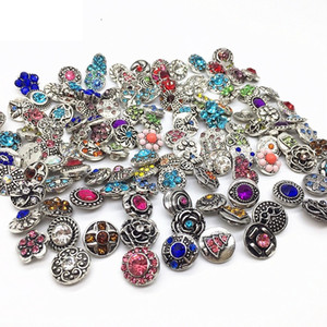 vente en gros 100pcs / lot Taille 12MM / 18MM Snaps Charms bricolage bijoux bouton pour femmes snap strass pierre marque New Mix Styles dropshipping