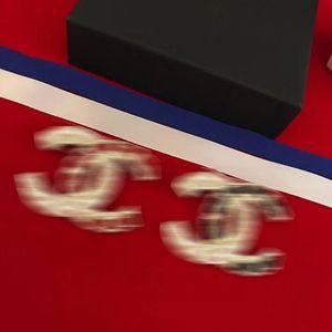 Tienen sellos nueva capa famoso diseñador broche broche broche de CC desfile de moda otoño invierno de lujo de alta calidad electrónico libre de Europa con la caja