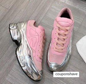 Sneaekers Raf Simons oversize della scarpa da tennis scarpe da designer di scarpe uomini donne di lusso a effetto argento metallizzato Sole Sport Trainer f1