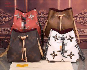 2020 Новый женский Soft Oxford Luxury Backpacks Mochila Feminina Простой Zipper Учиться в России большой емкости отдыха и путешествий Рюкзак