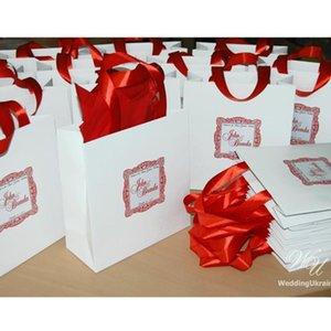 Boda de bienvenida personalizado bolsas con cinta de raso y cutom etiqueta blanca y el cumpleaños de papel rojo Bolsas regalos de bodas favores BAGF