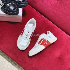 Valentino 2020 top nuovo pattino della piattaforma italiana uomini di modo di e scarpe da ginnastica aperte delle donne striping scarpe in pelle piatta casuali costellavano