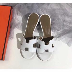 2020 neue Hausschuhe Sandelholz-Absatzschuh aus echtem Leder Slides beste Qualität Hausschuhe Sandalen Huaraches Loafers Scuffs für Frau H Pantoffeln