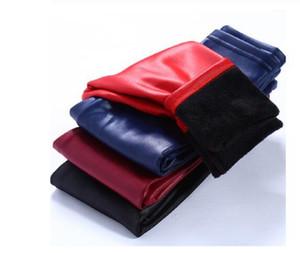 Invierno de las muchachas de cuero pantalones de terciopelo grueso de cuero de la PU de los niños de las polainas de los niños Pantalones Lápiz caliente infantil pantalones delgados bragas ocasionales