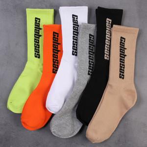 Mens Socken CALABASAS Skateboard-Socken-Mode Männer Frauen Brief gedruckt Socken Sportsocken Sockings Hip Hop