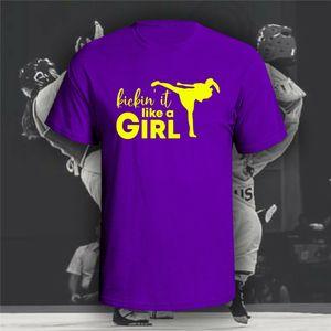 Kickin' It Like A Girl T - shirt Boxing Karate Muay Thai Taekwondo corto - Sleeve Tee Shirt