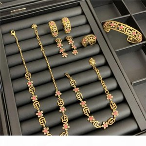 Weinlese-Kristallhalsketten-Sätze Blumen GG Letters Schmuck Sets Designer Diamant-Armband-Frauen Luxus Ringe Halsketten-Charme Ohrstecker Set