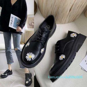 Printemps Automne Filles Chaussures en cuir verni Chaussures Femme Plate-forme Womans Flats bout rond noir de dames Zapatos mujer U29-45 K05