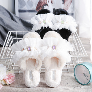 Diamond Plush Lace Slippers Rhinestones Plush Sandals Warm Soft Furry Slippers Women Home Flip Flops Cotton Slippers