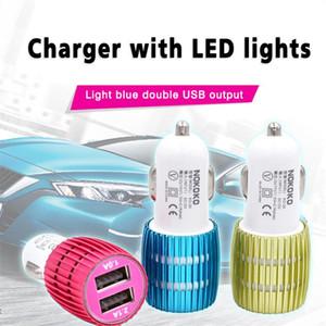 Mini USB universal del cargador del coche del zócalo del adaptador de coche de la luz LED del cargador del enchufe adaptador de carga para iOS y Android Celulares MQ100