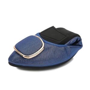 MAIERNISI Mulher Flats Shoes 2020 Outono New Feminino Decoração metálico pontiagudo dedo do pé Casaul sapatos confortáveis Flats preguiçosos