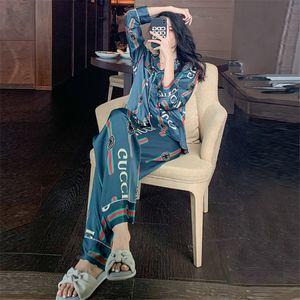 Nuova estate manica corta da donna Pigiama Ragazze Amp; Donne Fiore stampato seta da notte Lettera per il tempo libero a casa abiti Wear Coppia allentato pigiama # 641