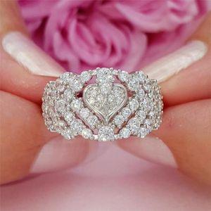 Top Selling Taille 6-10 luxe Bijoux 925 SilverGold Fill pleine Saphire blanc diamant creux CZ femmes de coeur de mariage Bague cadeau
