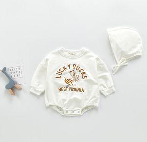 Collar INS BEBÊ roupa da menina manga comprida em torno Com Pato Letters Imprimir Romper + Hat 100% escalada do bebê do algodão Primavera Queda menina Exquisite romper