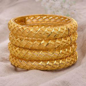Annayoyo 4Pcs / lot 24K Dubai Indien Ethiopian Gold füllte Farbe Armbänder für Frauen Mädchen Partei Schmuck BanglesBracelet Geschenke