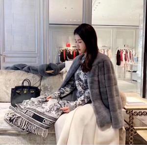 Großhandel Designer Männer Frauen Top-Qualität Herbst Winter Wollschal Weiche Lamé dick und warm Schal Luxurys Lange Klassische gedruckte Schal