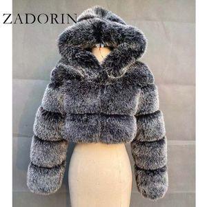 ZADORIN alta qualità Furry ritagliata Faux Fur cappotti e giacche donne Fluffy Top Coat con cappuccio inverno rivestimento della pelliccia manteau femme LJ200824