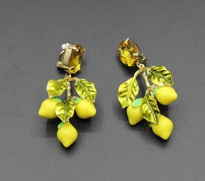 Hot Sale 2017 new fashion catwalk section Baroque earrings lemon leaves large circle temperament retro big earrings