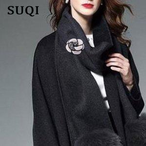Suqi coréen de haute qualité Broche fleur en tissu Art classique Camélia Broche Pins Broches femmes Châle Shirt Accessoires Collier 2020