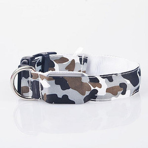 Dogs LED Collar Lighted Up Nylon Camouflage Pattern LED Collar S M L With Built-in Battery