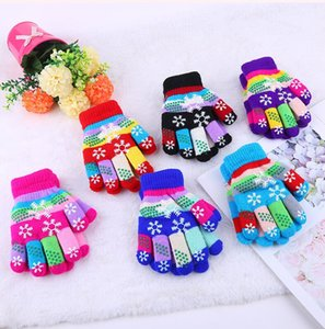 New Children Magic Gloves Fashion Kids Warm Wnter snowflake Stretchy Lovely Girl Colored Double Layer knitted Gloves five finger glove