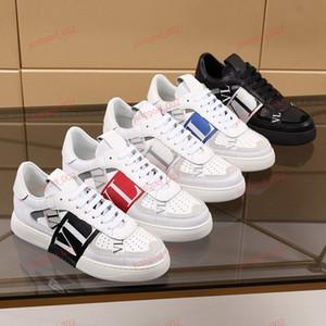 Valentino shoes 2020 베스트셀러 백인 남성의 부티크 신발 캐주얼 운동화 뜨거운 판매 가죽 단색 정장 구두 38-44 두꺼운 밑창