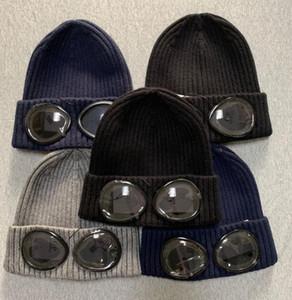 2020 CP COMPANY deux verres lunettes tuques hommes casquettes crâne tricot automne chapeaux de sports de plein air tuques uniesex femmes de haute qualité MN23