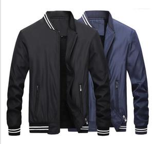Collar langärmelige Jacke Herren Kleidung Herren Designer Winterjacken Massiv Panelled Reißverschluss Wool Liner Coats Ständer
