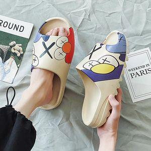 dibujos animados de moda cómoda mismos aumenta los suelas antideslizantes las mujeres y los hombres al aire libre de las sandalias de playa de dibujos animados zapatillas de una sola palabra
