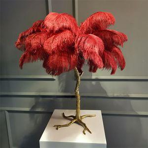 Lámpara de mesa nórdico pluma de la avestruz de la palmera base para el hogar Luz Iluminación interior Lámparas de cabecera del arte deco luz viviente mesa de la sala