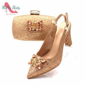 Mulheres bonitas 2020 design especial do dedo do pé Pointed italianos Senhoras sapatos e bolsa para combinar em Champagne Matching sapatos e bolsa Set