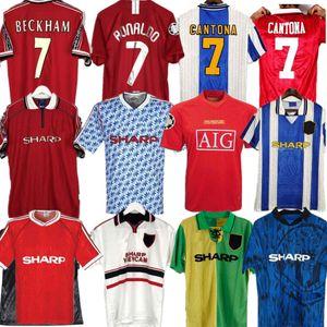 Retro 2002 United Soccer Jersey Homem de futebol Giggs Scholes Beckham Ronaldo Cantona Solskjaer 06 07 08 Manchester 94 96 97 98 99 86 88 1990