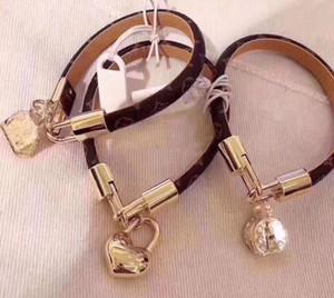 Louis Vuitton 19CM الحب موضةلويس أساور جلدية تبقي لرجل إمرأة المصممين الأزواج V قفل معصمه زهرة أنه نمط سوار المجوهرات qwV5 #