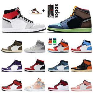 nike air jordan 1 off white retro 1 1s Mens eğitmenler Kadınlar basketbol ayakkabıları 2020 Jumpman 1 Yüksek OG Gri Bio Hack Chicago Tokyo spor ayakkabıları Duman