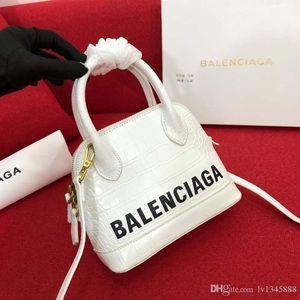 Yeni Lüks tasarımcı omuz çantası lüks çanta deri cep telefonu tasarımcısı çanta asılmış moda mini Shell torba 132-26 l1