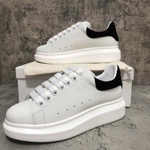 2020 Scarpe casual Black Velvet Womens Mens Bella piattaforma scarpe da tennis casuali scarpe di cuoio Tinta unita Trainer