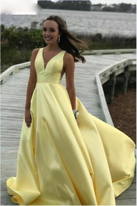 Yellow Prom Dresses V Neck Satin Sleeveless robe de soiree Celebrity Party Dresses A-Line Plunging Back Cheap Evening Dresses