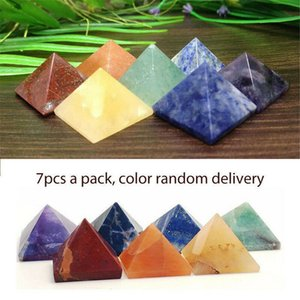 Paquet de 7 Chakra Pyramid Stone Set Crystal Guérison Wicca Naturel Spiritualité Sculptures Carré Naturel Pierre Carré Quartz Turquoise Gemstone