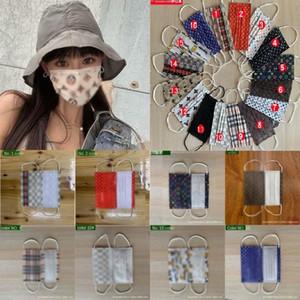 Moda monouso Maschera Designer di 3 strati della maschera di protezione Melt-Blown ear loop non tessuto maschere Bocca Volto sanitario di marca