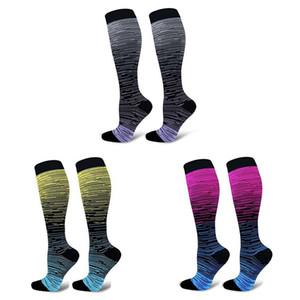 Chaussettes de compression Sport perdre sa féminité Knee High / Long Gradient Imprimé Bonneterie Polyester Nylon Chaussures Accessoires de haute qualité K souple