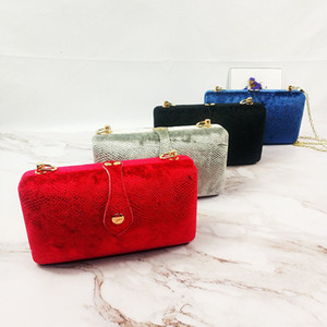 Handmade velvet Chinese style hand-held Cross Chinese style dinner party with cheongsam bag hand-held small square bag