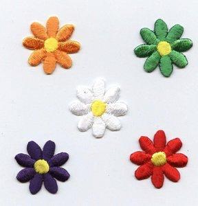 Preço Baixo 5 cores pequeno Dasiy Bordado Flor de ferro em Applique bordado patch Uma Set 5pcs Diferença de Cor frete grátis L0V0 #