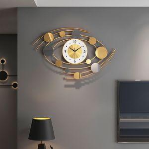 Large Luxury Nordic Wall Clock Modern Design Decor Minimalist Gold Metal Wall Clock Living Room Creative Wand Klok Home Watch