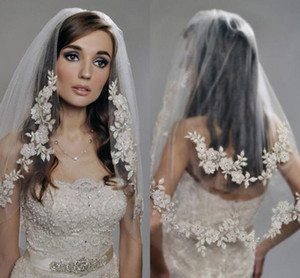 Vintage Two Layers Wedding Veils 2021 Luxury Lace Applique Beaded Cheap Voile Mariage Wedding Accessories In Stock